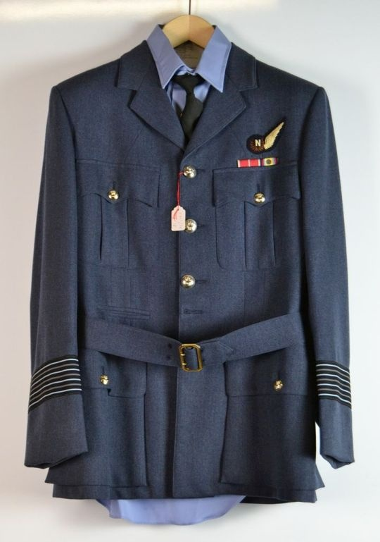 Uniform der Royal Air Force: Group Captain (Oberst) Mike Feenan (AlliiertenMuseum CC BY)