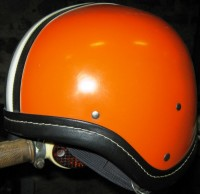 "Sturzhelm ""Perfekt"" in Haubenform in orange mit schwarzem Leder"