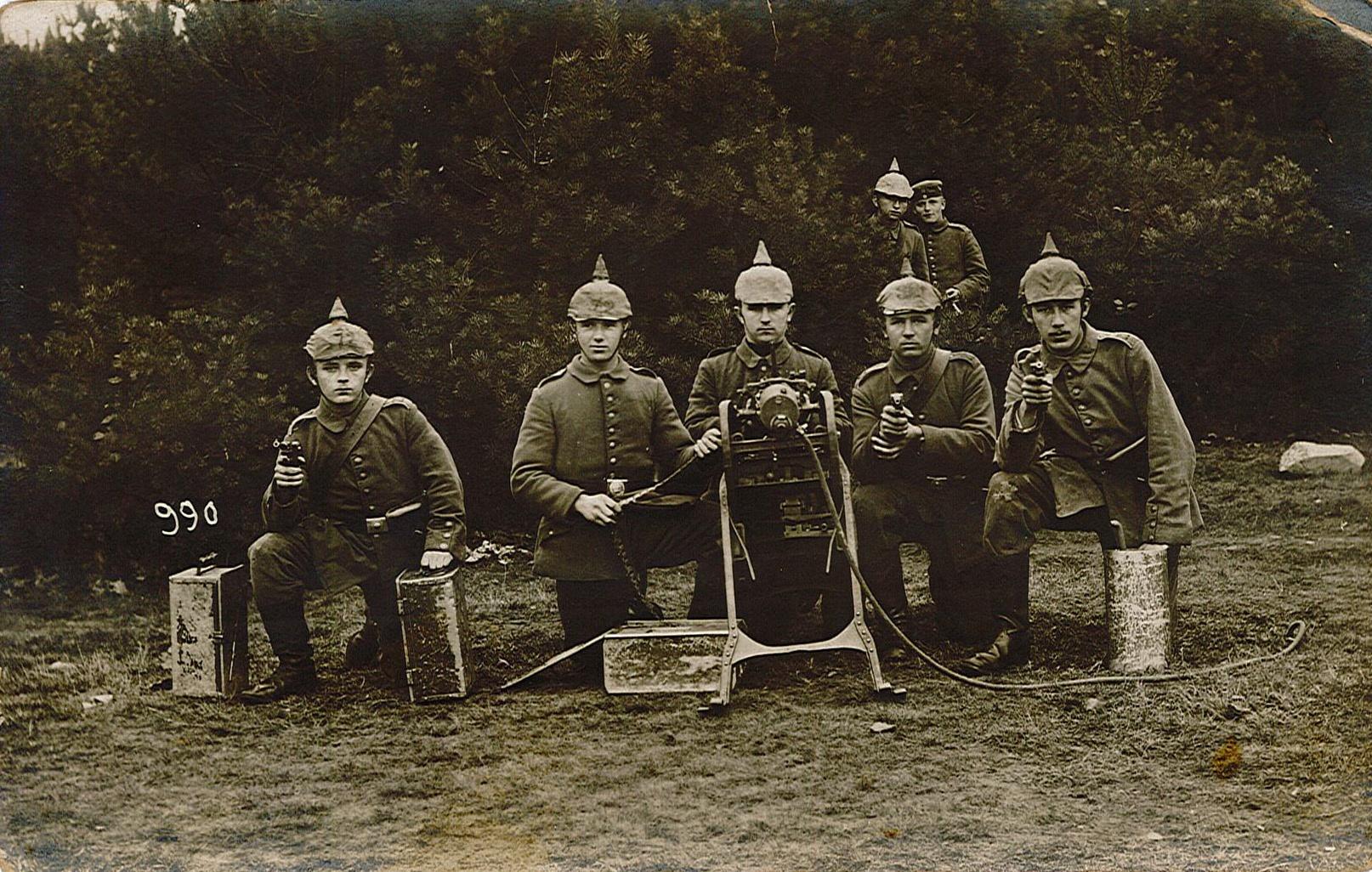 Fotopostkarte Mit Gruppe Von Jungen Soldaten In Der Grundausbildung